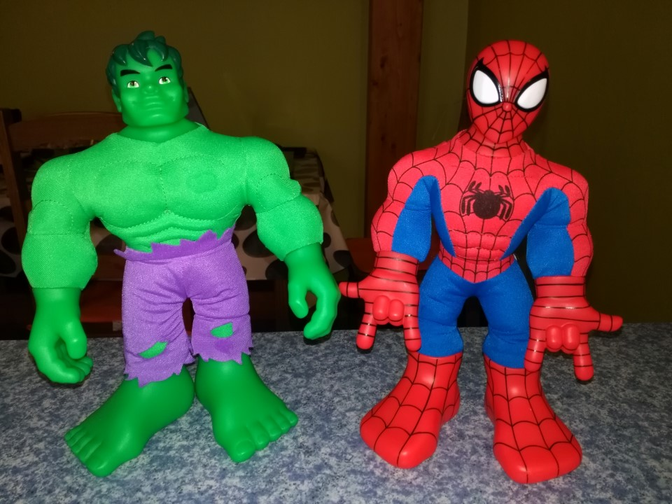 Hulk et Spiderman avec Flash